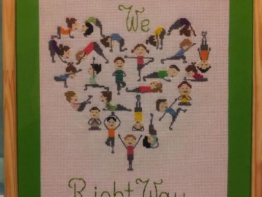 Serce dla RightWay. Misterne dzieło uczestniczki zajęć Nordic Walking w RightWay.