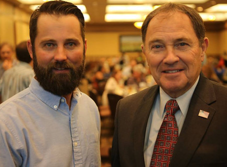 Governor Herbert embraces Wilderness Therapy