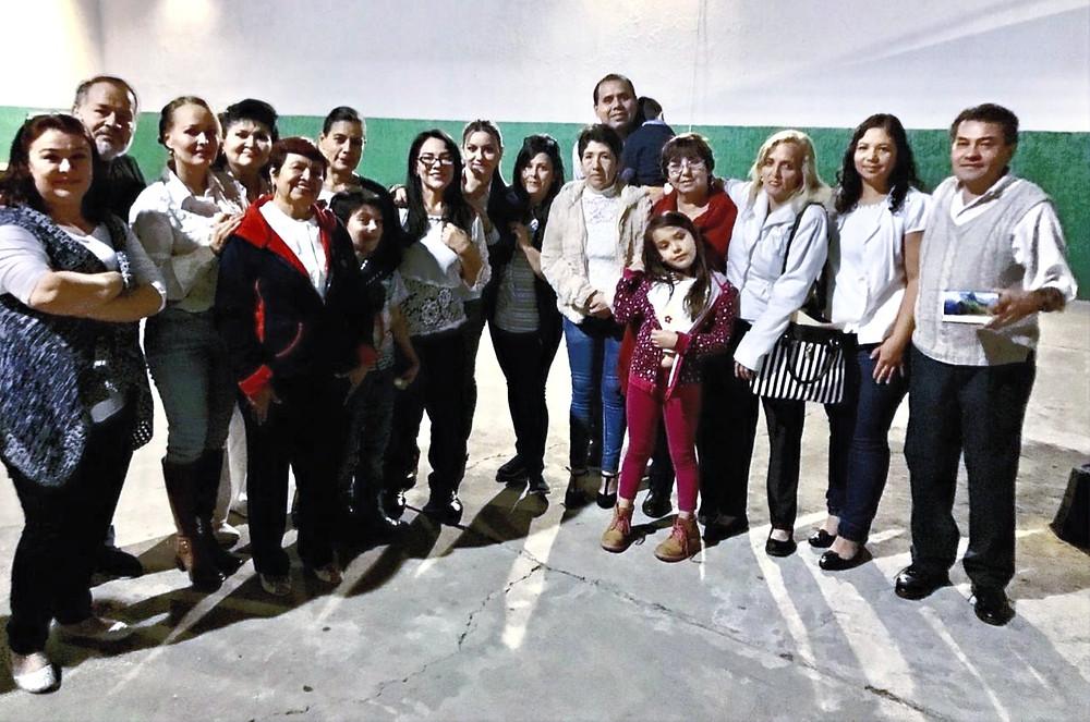 Los doce graduados en Guadalajara, Jalisco.