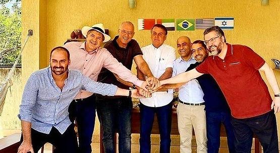 Bolsonaro celebra acordo entre Israel e países árabes em churrasco