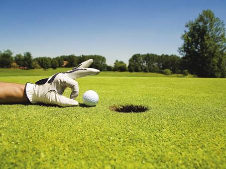 Kvinnor och män mot varandra i samma golftävling