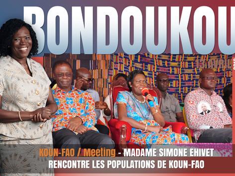 MADAME SIMONE EHIVET GBAGBO RENCONTRE LES POPULATIONS DE KOUN-FAO