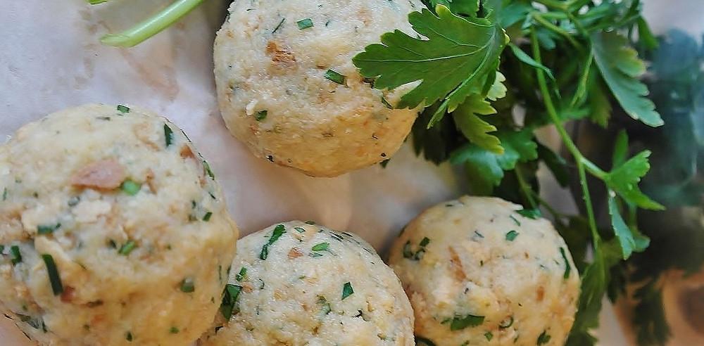 Vegane Ernährung an Weihnachten mit Rezept für leckere vegane Semmelknödel.