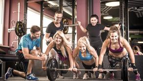 Liegestütze, Klimmzug & Co - du brauchst diese Übungen für einen flachen Bauch und deine Fitness