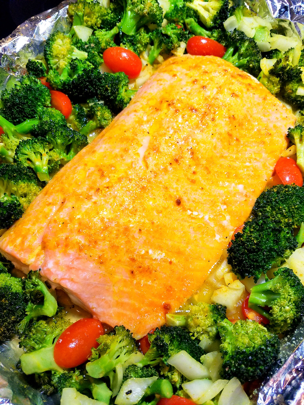 Easy-Peasy One-Pan Salmon and Broccoli. Gluten-free, soy-free, dairy-free, grain-free