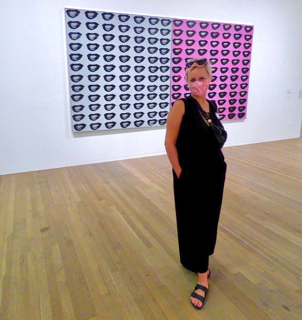 Andy Warhol, Marilyn Monroe's Lips, pose with mask, Tate Modern Gallery, London Feminista