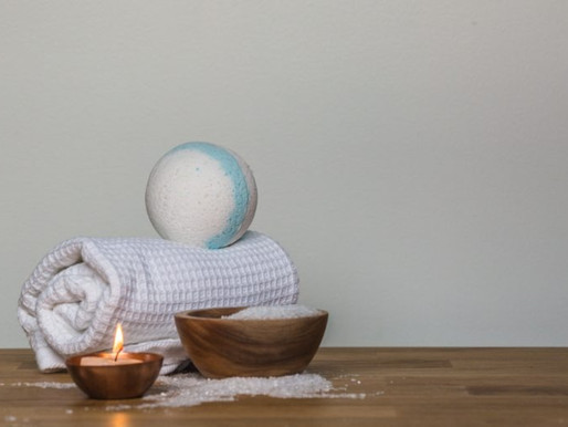 DIY Beautiful, Bubbly Bath Bombs