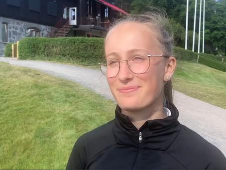14-åriga Nora ska spela 100 hål golf på en dag