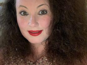 Author Interview - Julia Sutton