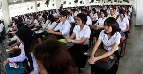 เด็กจบใหม่ในไทยเตรียมเตะฝุ่นเกิน 2 ล้านคน และอาจไม่มีงานทำทั่วโลก