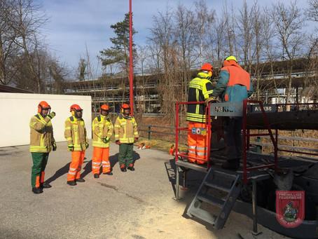 Motorsägenlehrgang in der Feuerwehr Bad Aibling