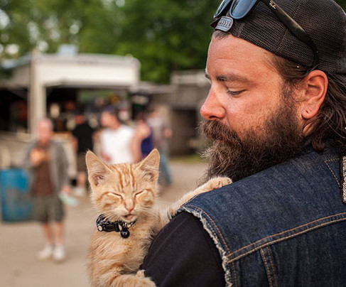 Biker Saves Badly Burned Kitten, Continues Cross-Country Trip with Him
