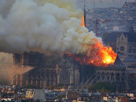 Francia conmocionada por incendio en la catedral de Notre Dame de París