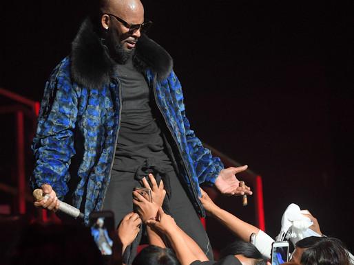 Show-Biz: R.Kelly, le roi du  R'N'B, prédateur sexuel