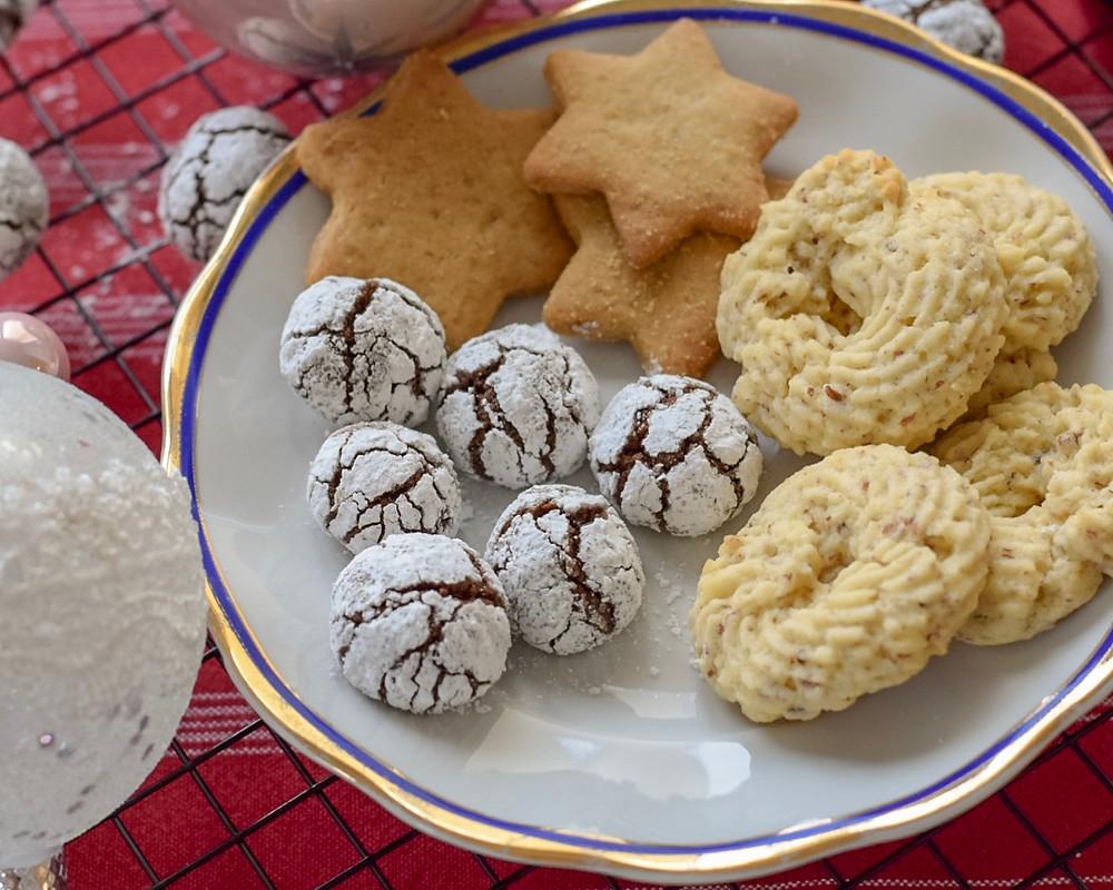piškoti, razpokani piškoti, razpokanci, helenine čarovnije, božična peka, prazniki