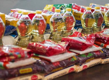 5 mil famílias recebem kit de alimentos do Município
