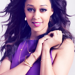 """Tia Mowry -Hardrict Delivers a """"Sister, Sister"""" Reunion + Stars In Two Christmas Movies"""
