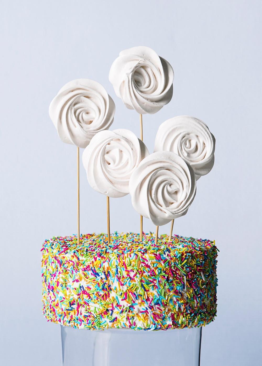 Tortas, biskvitinis tortas, mangų kremas, sviestinis kremas, gimtadienio idėjos, gimtadienio tortas, Alfo Ivanausko receptai, vmgonline.lt