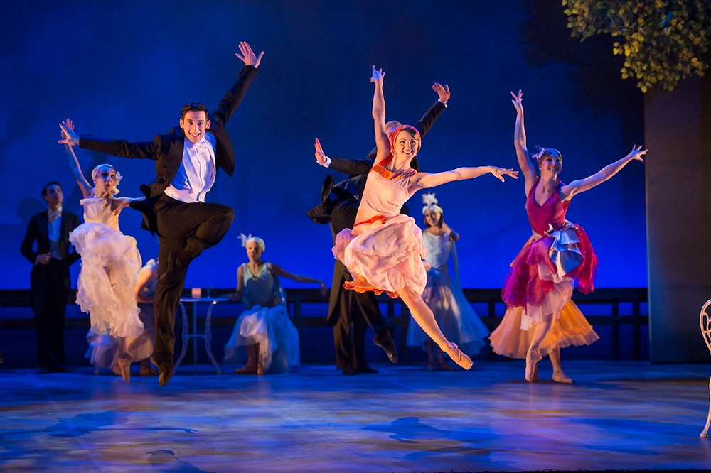 Guiliano Contadini and Hannah Bateman and Northern Ballet dancers in The Great Gatsby. Photo by Bill Cooper