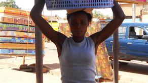 #storiedidonne 1. Una cesta di plastica per rinascere.