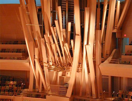 Organ Pipes with Uilleann Pipes:              An Unusual Duo Concert