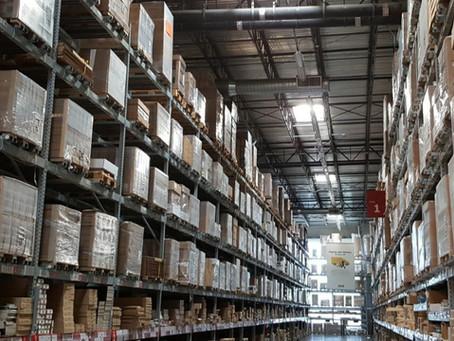 Amazon Plans to Put 1,000 Warehouses in Suburban Neighborhoods