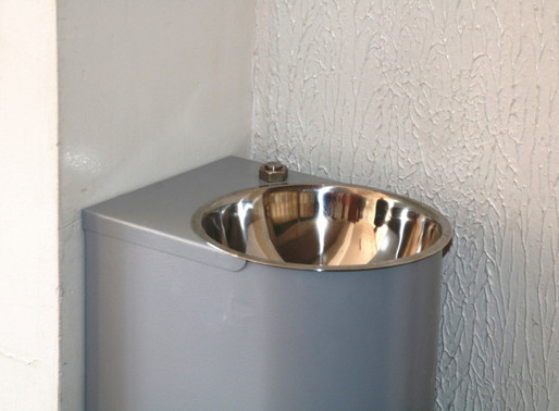 Во всех липецких школах установили питьевые фонтанчики