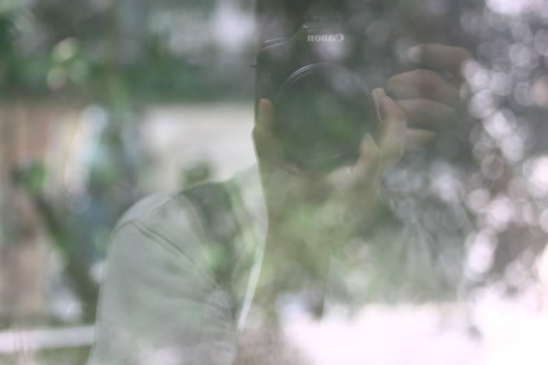 攝影,其實係透過非單一角度去觀看事物、表現個人意態、表達個人情緒和感受。
