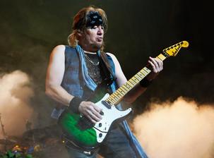 """Adrian Smith: """"Se fossimo stati tre Ritchie Blackmores, tre chitarre non avrebbero mai funzionato"""""""