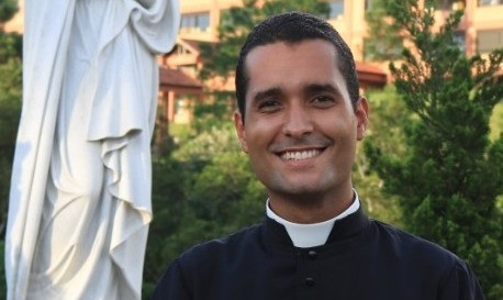 Seminarista da Diocese participa de projeto Voz & Vocação