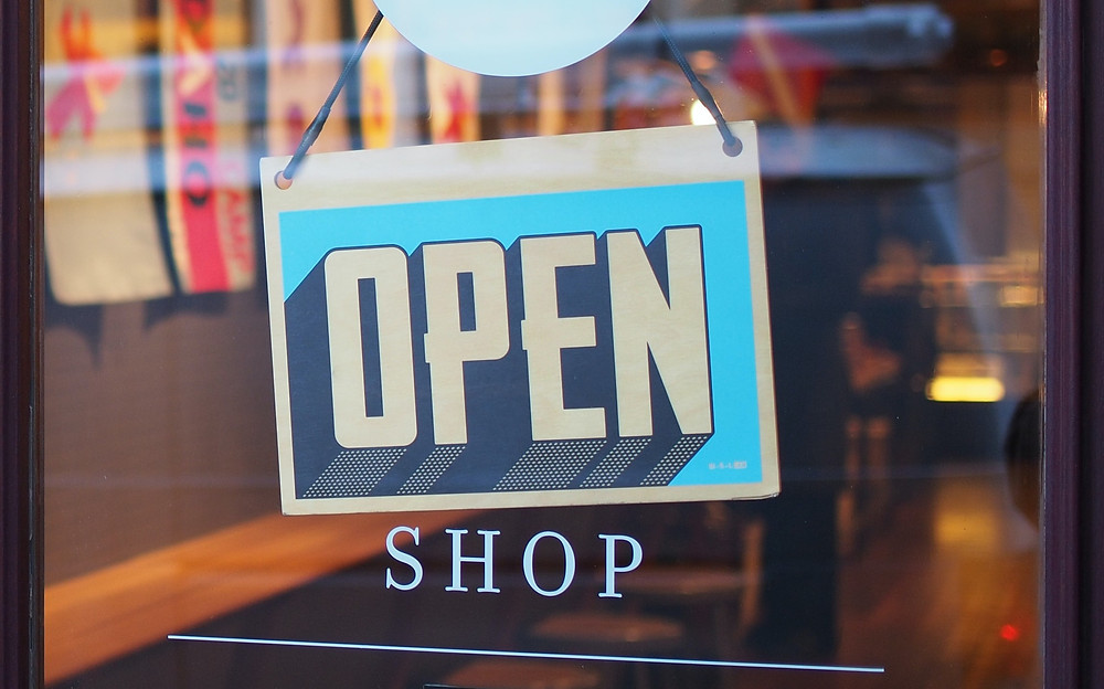 """Why should you open an ecommerce in the 2020 ? Many entrepreneurs think """" Why start an eCommerce business ? """", when in fact the ideal question should be """" How do I launch my eCommerce business """" ? While co-existing and thriving in a post pandemic world . 6 Reasons Why You Should Start An eCommerce Business in 2020"""
