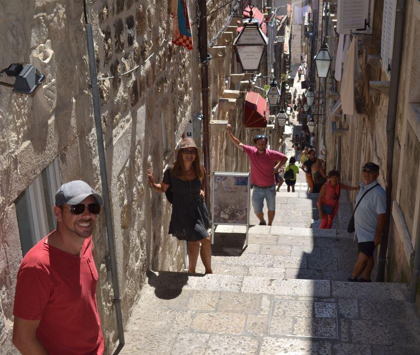 Callejones en Dubrovnik, todos encarados a Stradun
