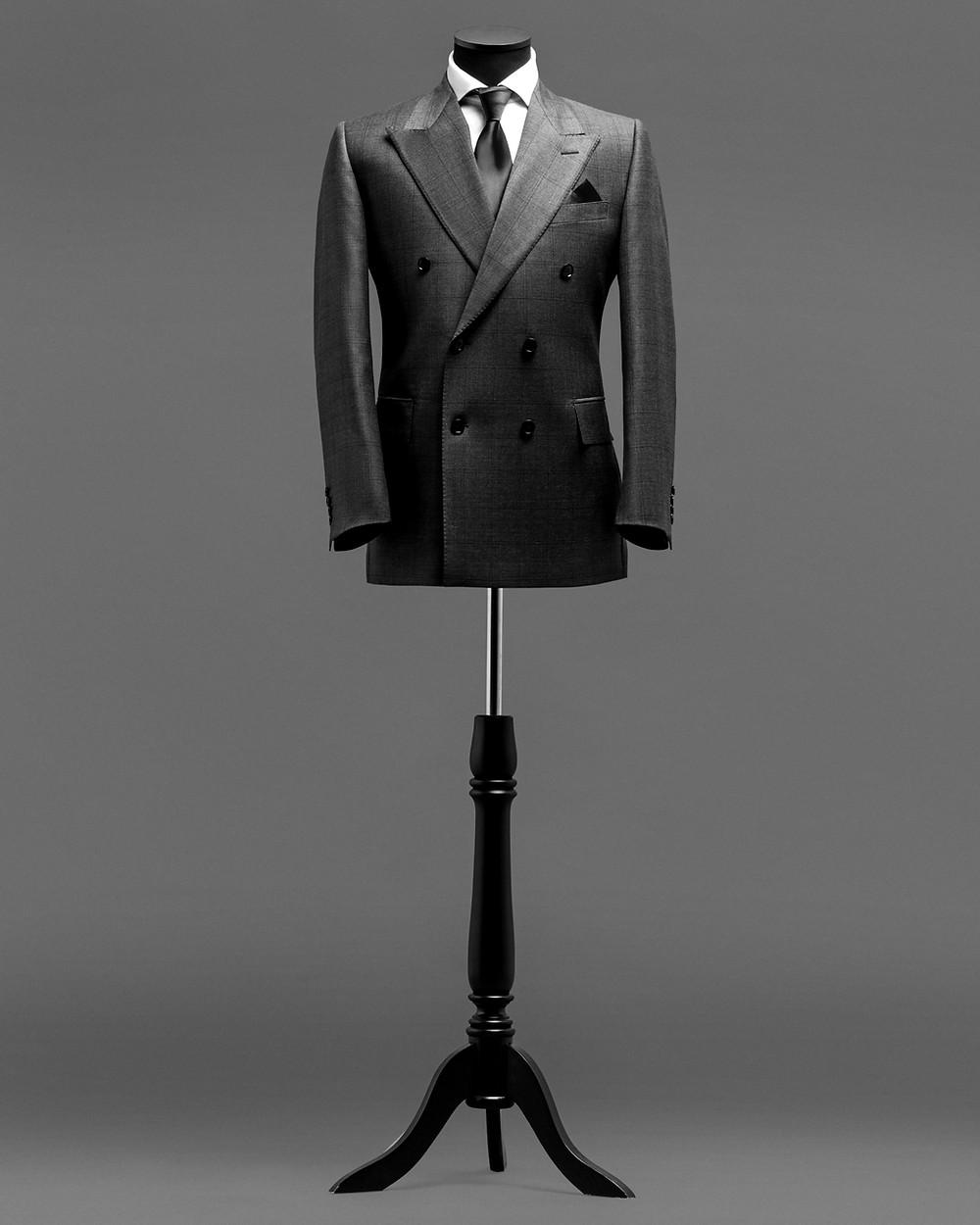cintre pour costume sur mesure