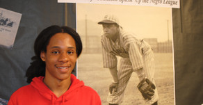 Students Celebrate Hall of Fame Player