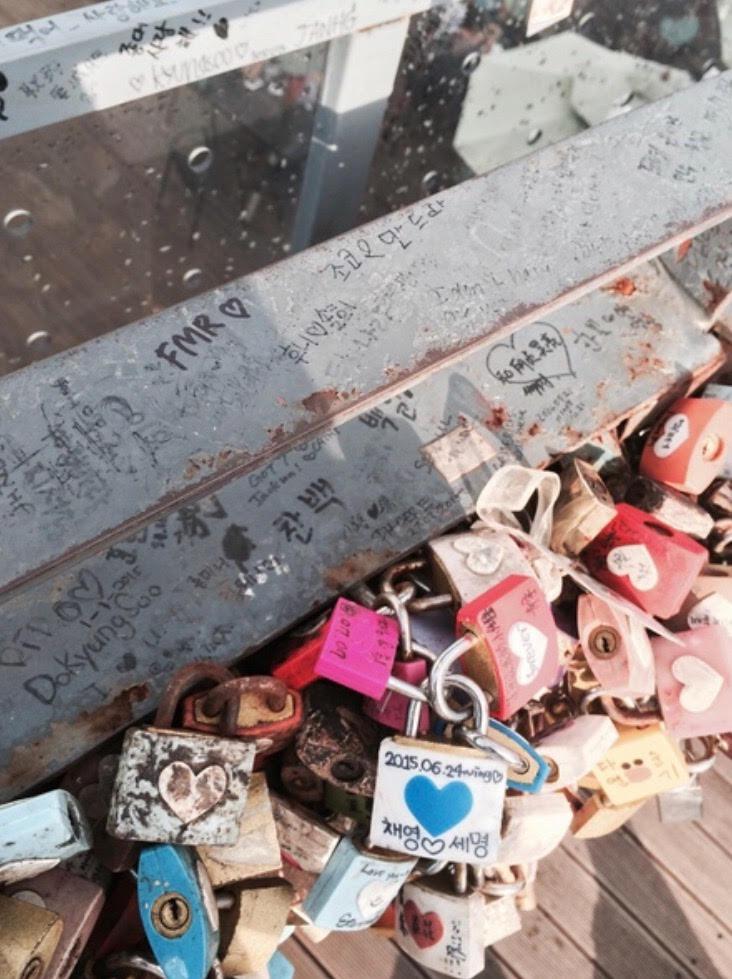 Gembok cinta di Namsan Tower (c) SwakelolaSayang BuLiBi Bukan Liburan Biasa