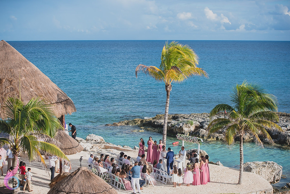Hard Rock Riviera Maya wedding is perfect for couples looking for a ceremony that is equally beautiful as it is fun.