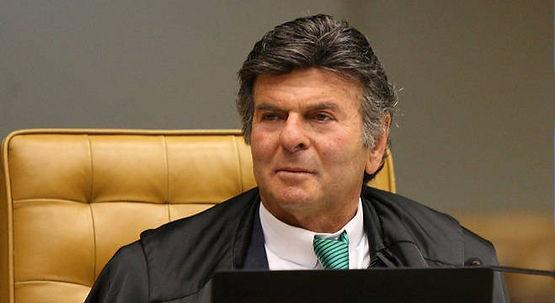 Fux assume presidência do STF e defende 'avanços' da Lava Jato