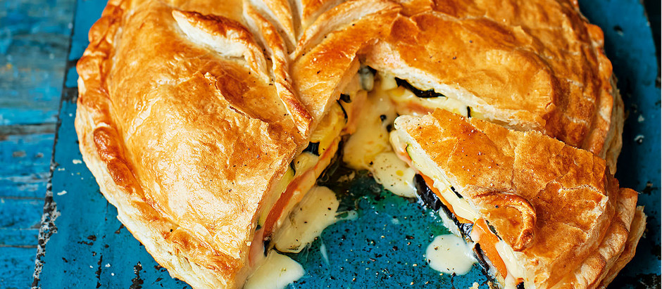 Baked Camembert and vegetable pie