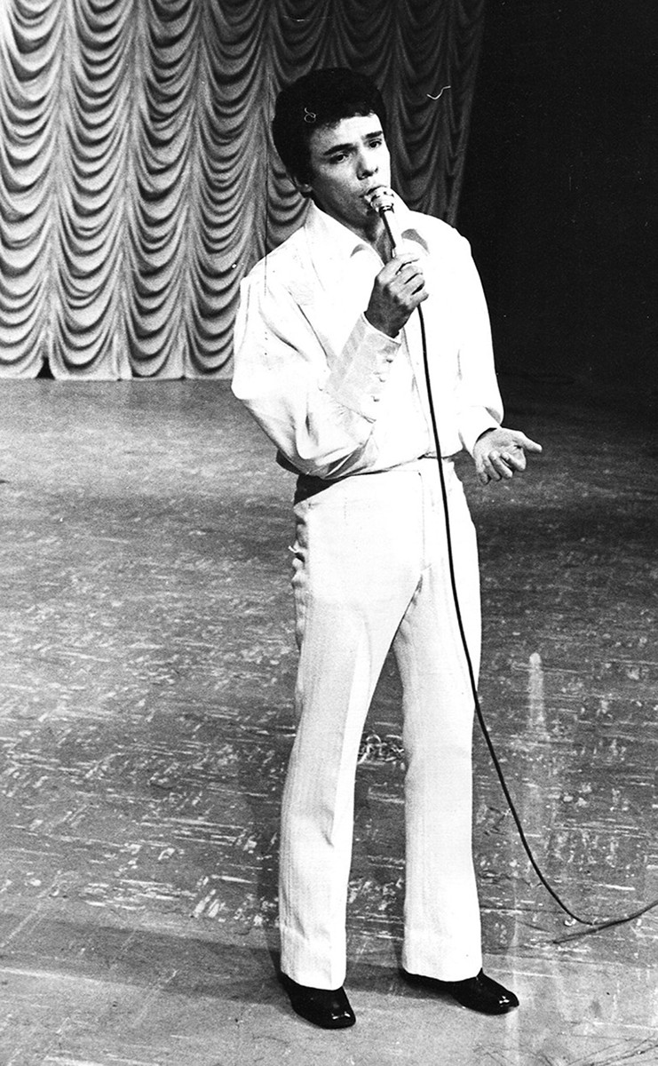 José José cantando, joven.
