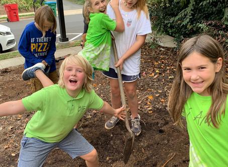 Upper Elementary giving back to Davidson