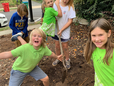 Upper Elementary giving back to Davidson