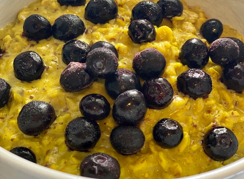 Golden Turmeric Oatmeal 🌟