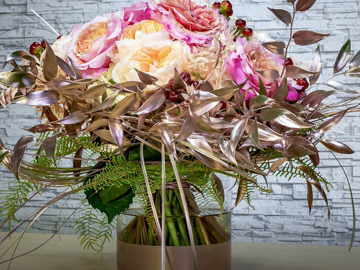 Promenade: Romantic Garden Rose Bouquet How-to