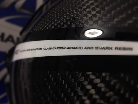 อะไรคือ Aramid มันมีดีอะไร และมันคืออะไรถึงขั้นต้องเอามาผสมทำเปลือกหมวกตัวท็อปของ SHARK