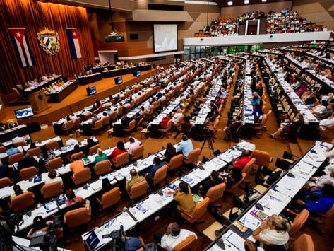 Cuba: Mulheres ocupam 53% das cadeiras no parlamento