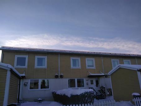 Montering av taksäkerhet enligt boverkets regler.