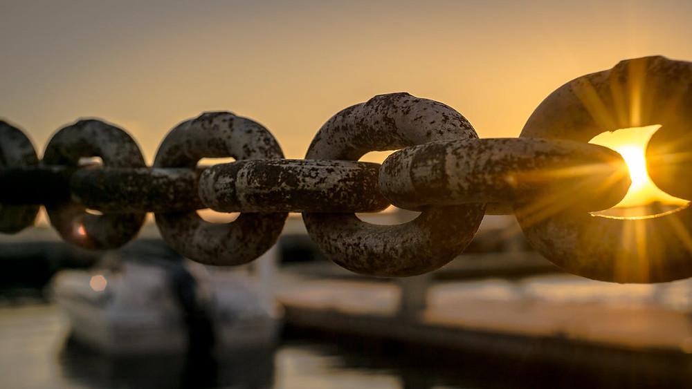 cadena, pasado, atadura, sé el jefe, hectorrc.com