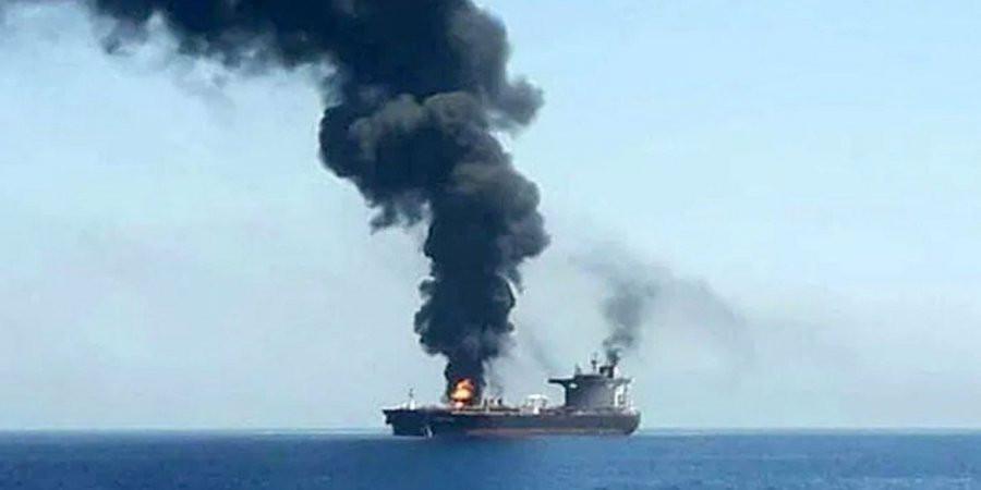 Взрыв на иранском танкере в порту Джидда