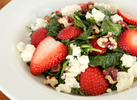 Kale Strawberry Spinach Salad