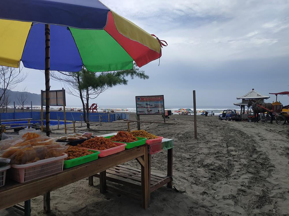 Suasana di Pantai Parangtritis, Bantul (c) Nita Hidayati